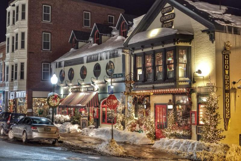 Maybe not quite as much snow this year, but the lights and decorations will still be gorgeous!