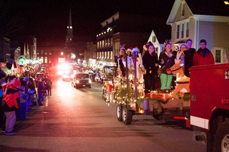 christmas-by-the-sea-parade